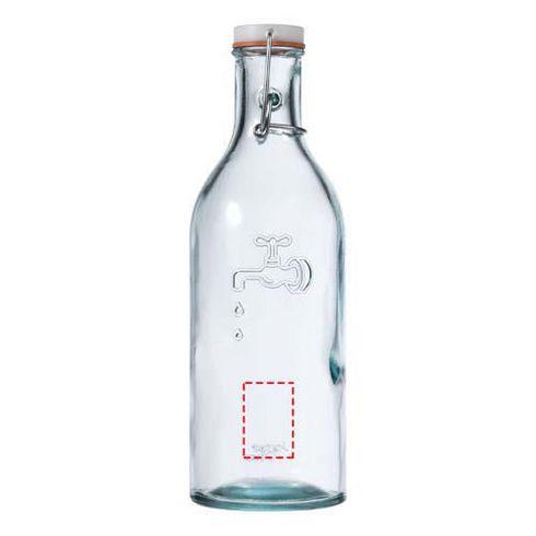 Vattenkaraff med glas